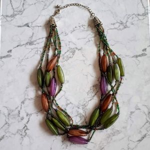 Short layered multicolor necklace